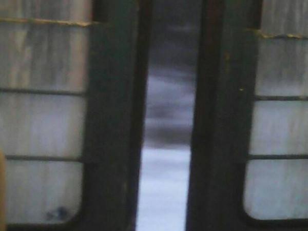 Поїзд «Ковель – Сарни» їздить із напіввідкритими дверима