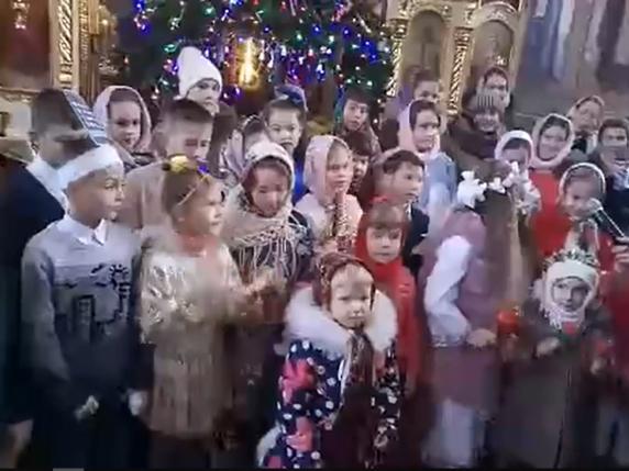 Люблинець: учні недільної школи привітали прихожан з Різдвом