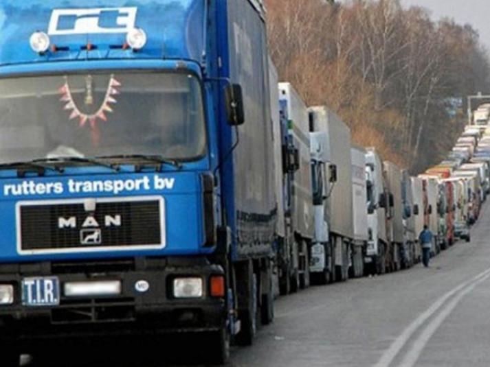 На магістралі Ковель – Ягодин накопичилася черга з близько 400 вантажівок