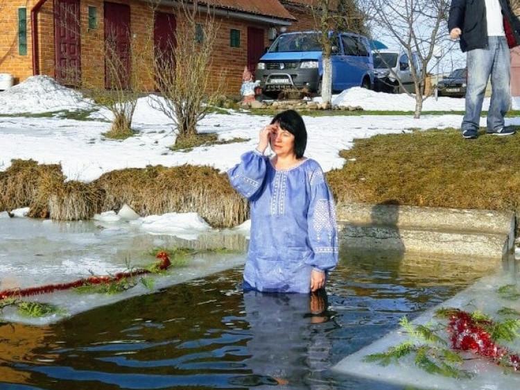 Дубове: як у селі святкували Водохреще