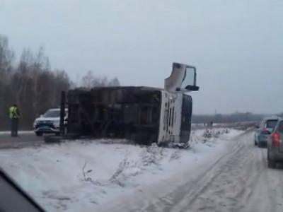 Біля Люблинця зіткнулися вантажівка і легковик