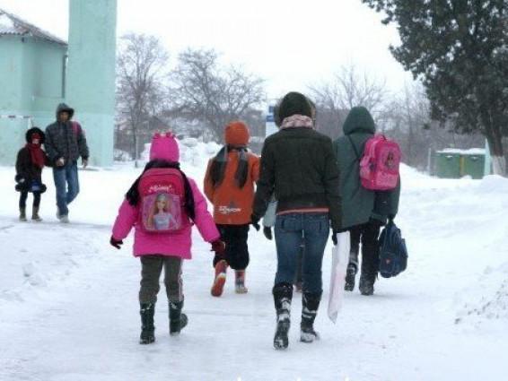Жителі Колодниці змушені щодня ходити пішки до Ковеля / Фото ілюстративне