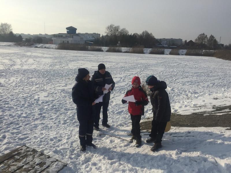 На Ковельському водосховищі рятувальники вкотре нагадали про небезпечний лід