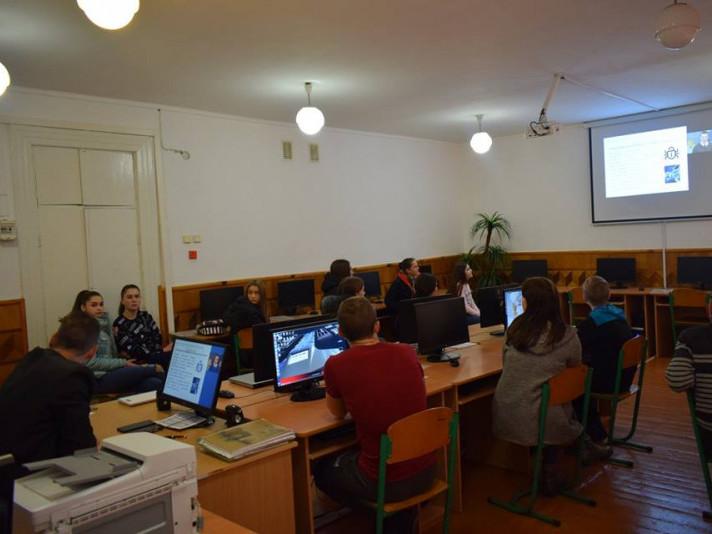 На Ковельщині учнів вчать безпечній поведінці в Інтернеті
