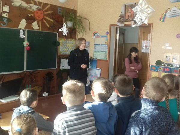 Доротище: рятувальники закликали школярів не виходити на лід