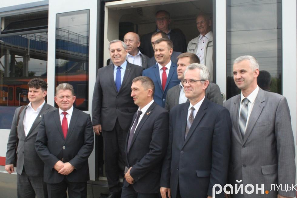 Історичне перше офіційне прибуття потяга «Ковель-Хелм: фото на згадку