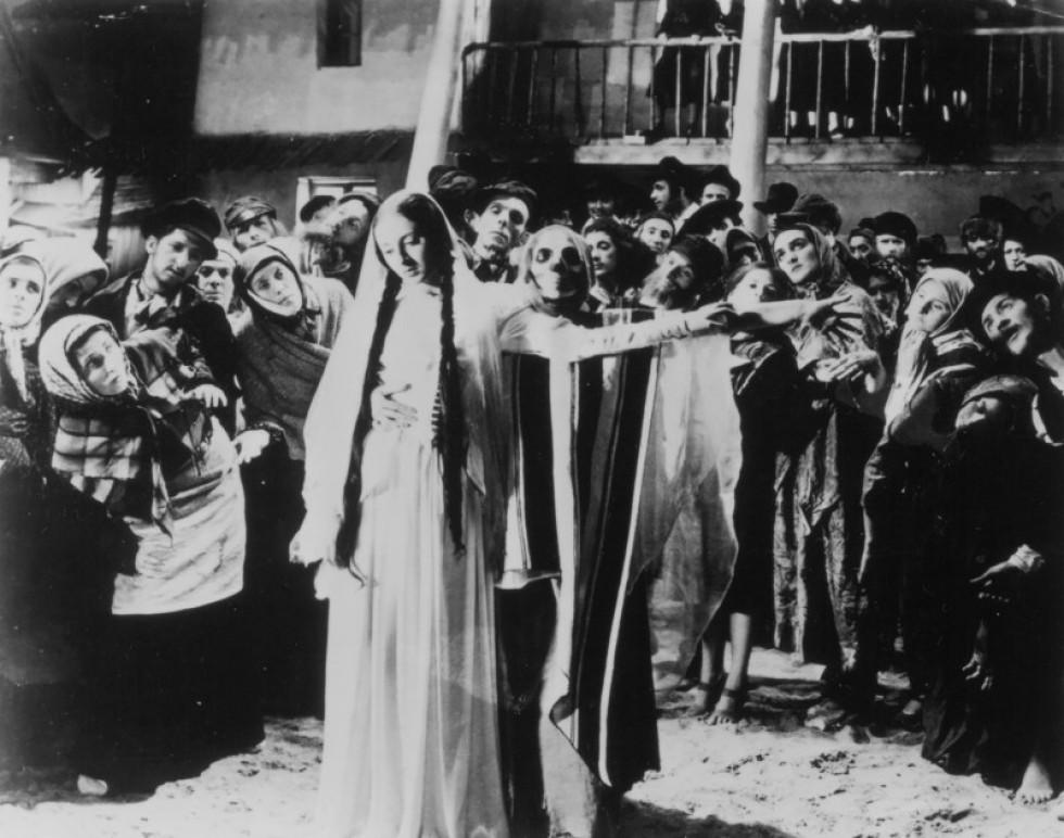 Кадр із фільму Міхала Вашинського «Диббук» (1937). www.imdb.com