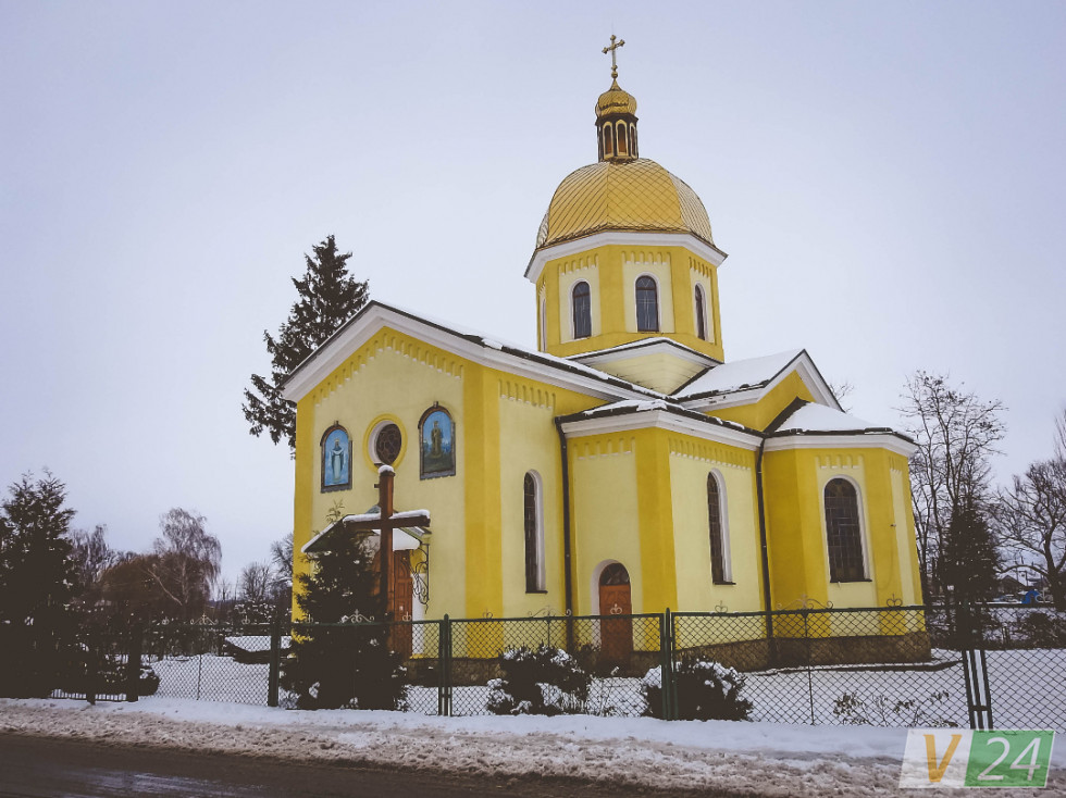 Свято-Миколаївський храм - окраса села