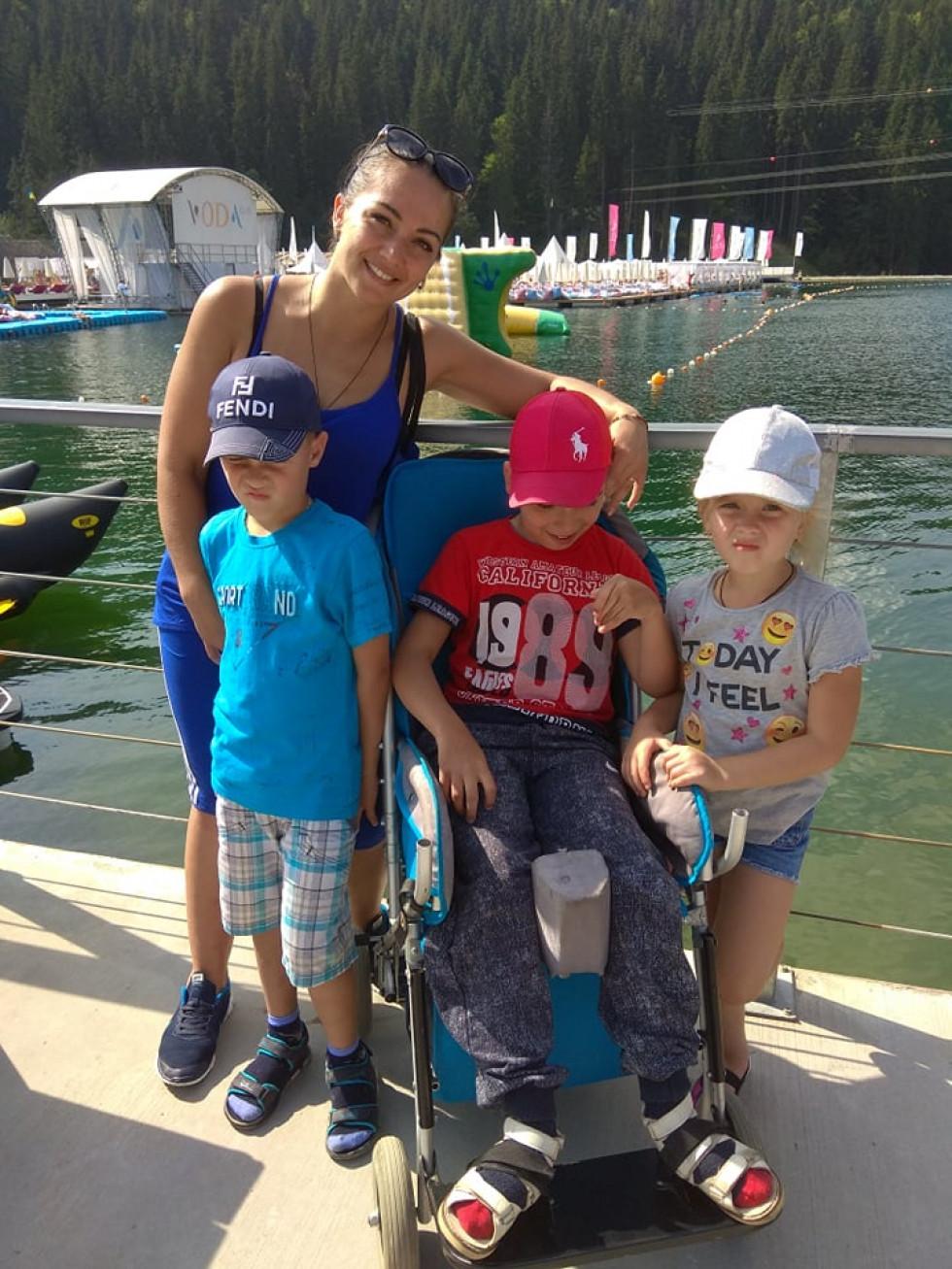 Марина з дітками