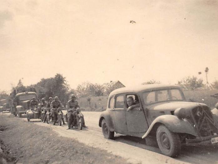 (За даними німецького військового фотографа): колона вермахту в районі Ковеля, червень 1941 року